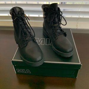 MIa Morrigan Combat Boots